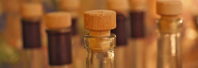 Grappa sarda filu 'e ferru in bottiglie di vetro con tappo di sughero