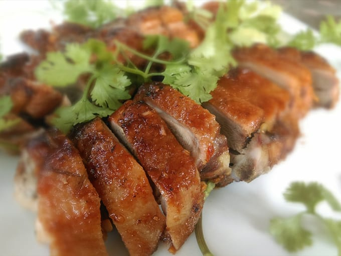 carni-nere-anatra-arrosto-piatto-thai