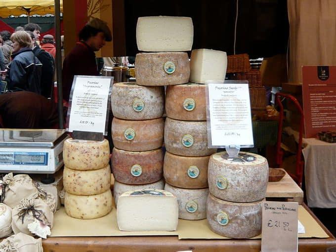 pecorino-sardo-forme-mercato