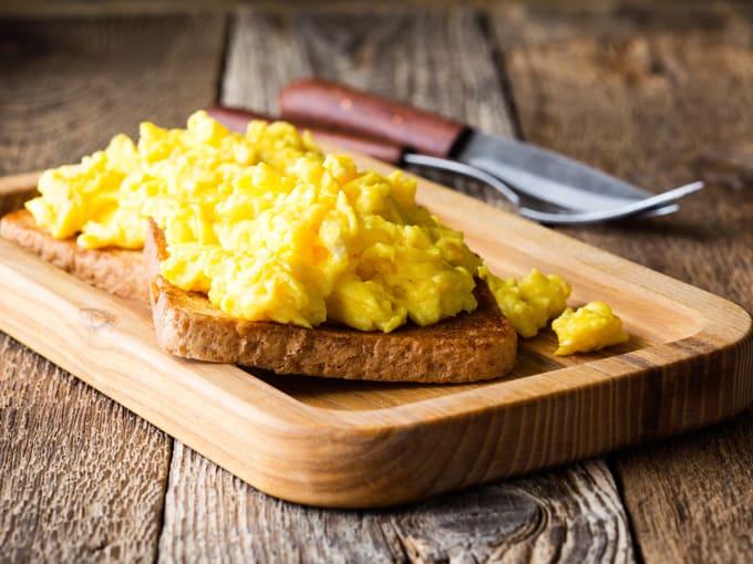 uova-strapazzate-colazione