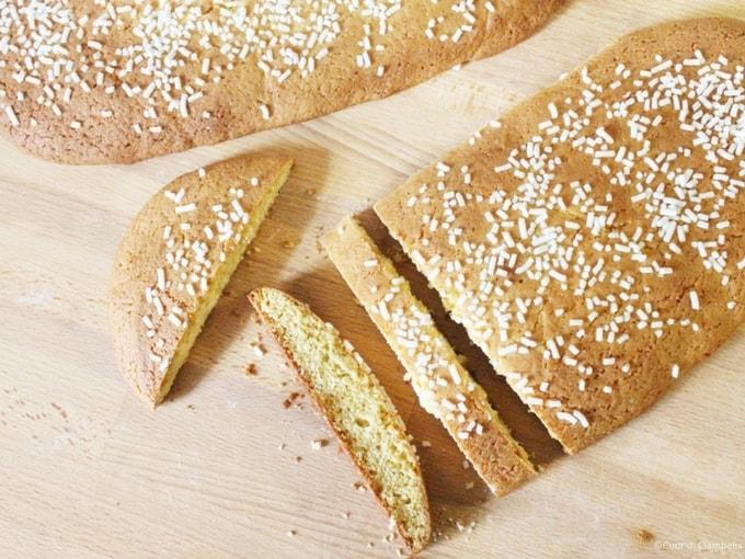 Zambela romagnola, dolce pasquale simile a un biscotto